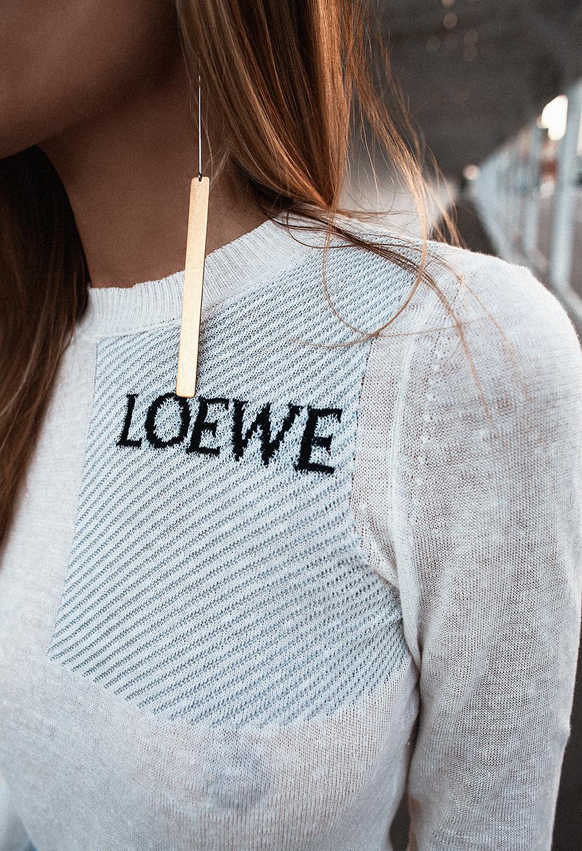 Native Fox - Jennifer Grace : Double - Photo 4: Celine, Loewe, Y/Project