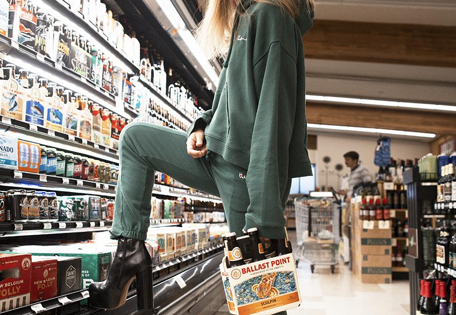 Native Fox - Jennifer Grace : Shop - Photo 2: Vetements