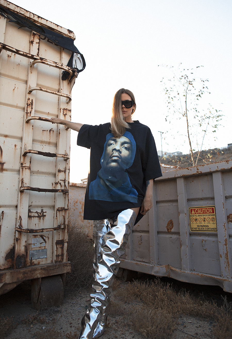 Native Fox - Jennifer Grace : Snoop - Photo 7: Balenciaga, Celine, Vetement