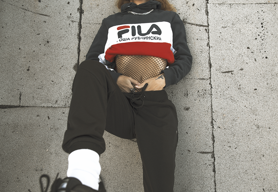 Native Fox - Jennifer Grace : High - Photo 3: Acne, Editorial, Fila, Gosha Rubchinskiy, Reebok