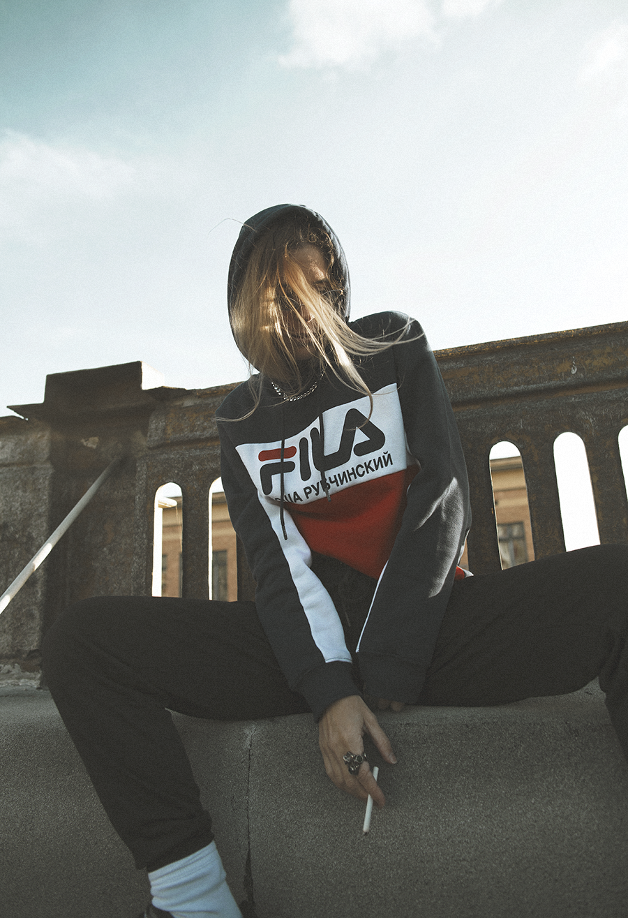 Native Fox - Jennifer Grace : High - Photo 4: Acne, Editorial, Fila, Gosha Rubchinskiy, Reebok